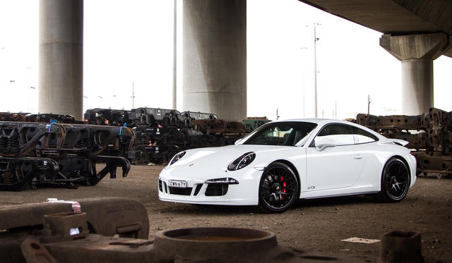 2015 Porsche 911 Carrera GTS Review