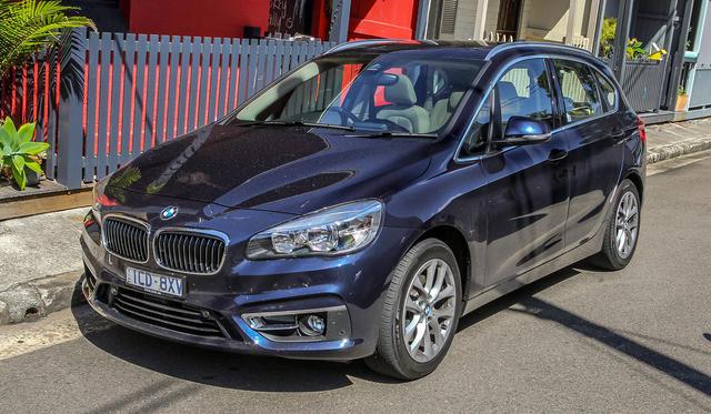 2015 BMW 2 Series Active Tourer Review: LT1