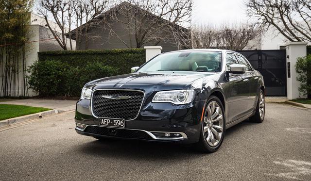 2015 Chrysler 300 Review: 300C Luxury