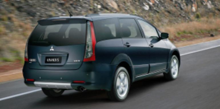 Mitsubishi Grandis VRX 2007