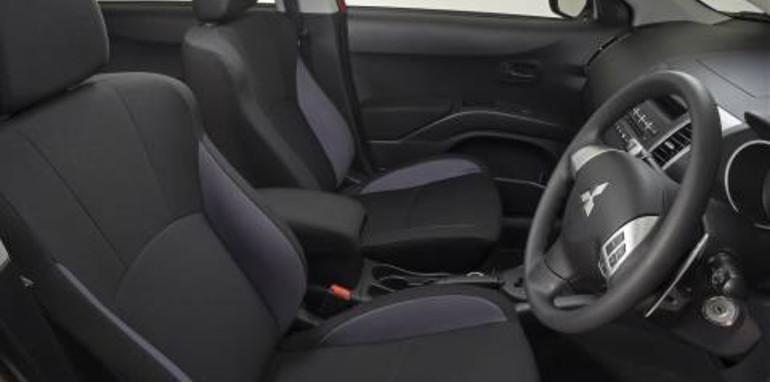 Mitsubishi Outlander 2007 Interior