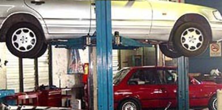 Car Mechanic Hoist