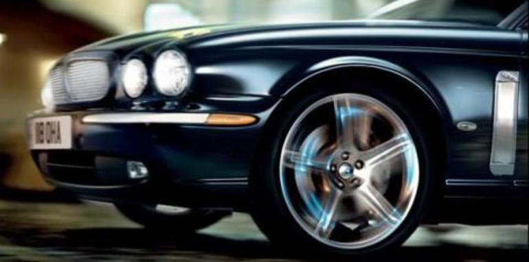 2007 Jaguar XJ6D Side