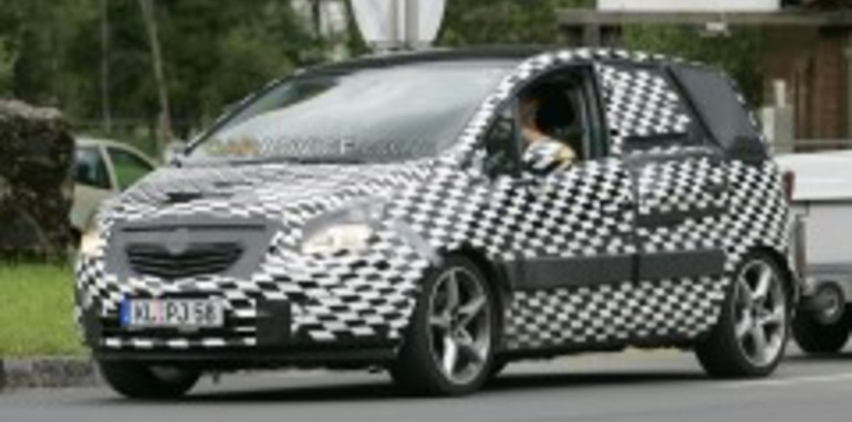 2009 Opel Meriva spy shots and CGI
