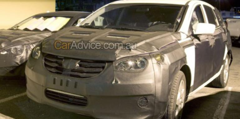 2010 Hyundai Portico 6-seater spy photos