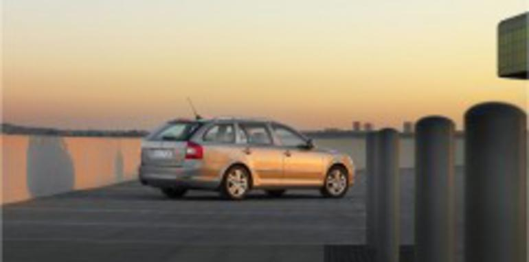2009 Skoda Octavia facelift revealed