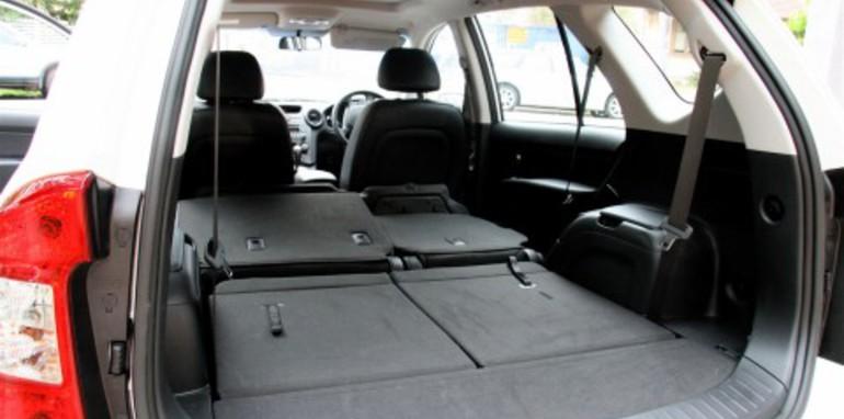 kia-rondo-flat-seat-1.jpg