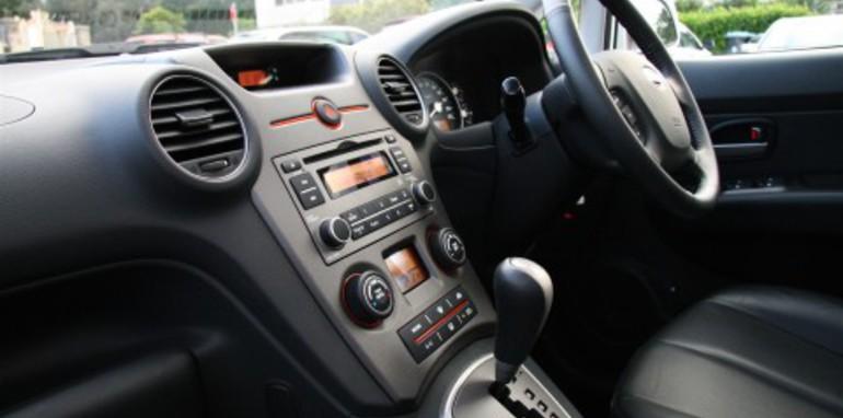 rondo-left-side-dash.jpg