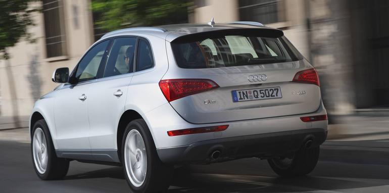 2009audiq5-rear