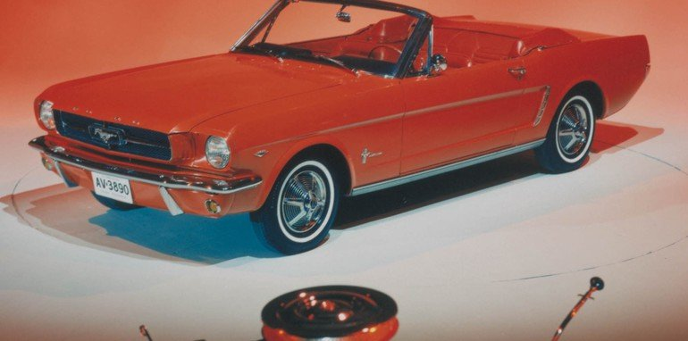 1964.5 Ford Mustang Convertible & Engine