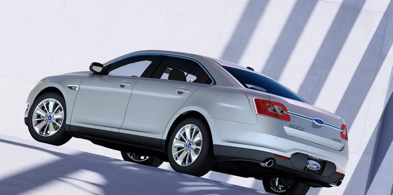 2010_ford_taurus_rear