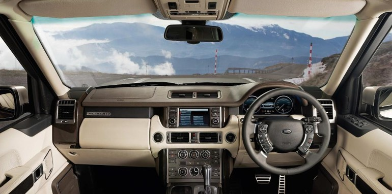 2010 Range Rover Vogue revealed
