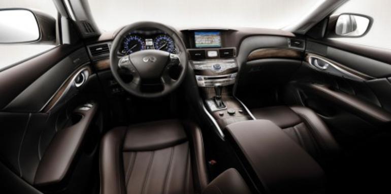 2011 Infiniti M luxury sports sedan unveiled