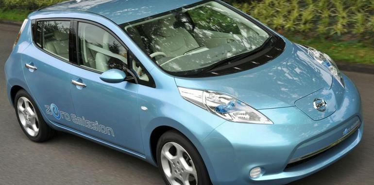 nissan-leaf-electric-vehicle-2010-img_11