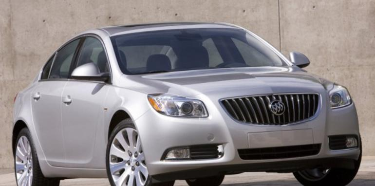 2011-Buick-Regal-588