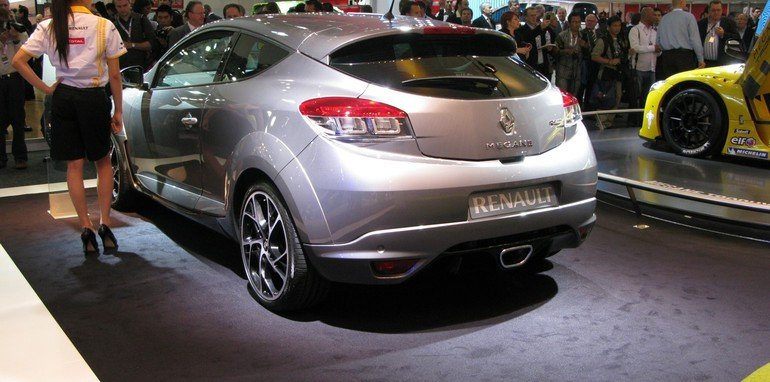 renault megane rs 250 at 2010 aims. Black Bedroom Furniture Sets. Home Design Ideas