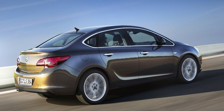 Opel ... & Opel Astra sedan: first look at small four-door Pezcame.Com