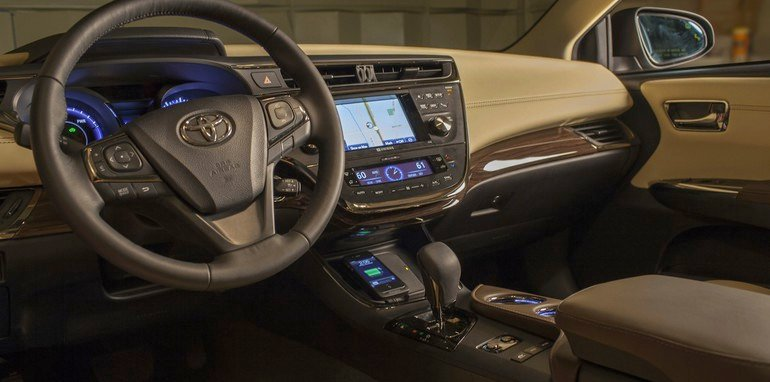 Toyota Avalon wireless charging - 2