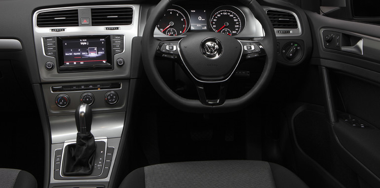 2013-volkswagen-golf-3