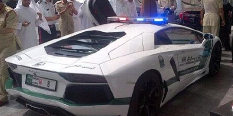 Dubai Police Lamborghini Aventador - 2