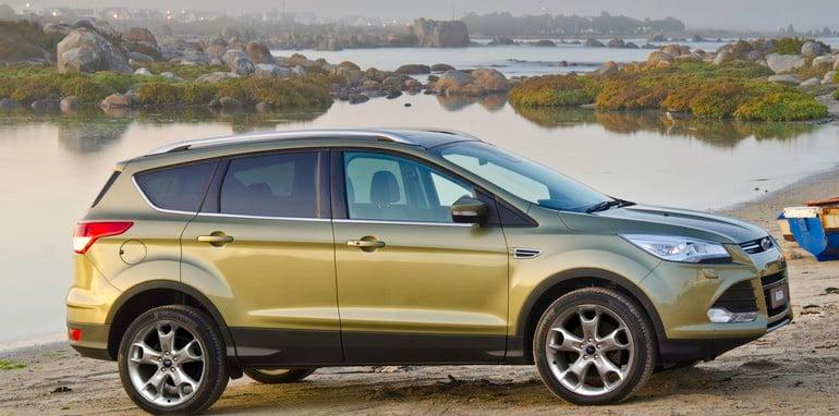 Ford_Kuga_TF_Titanium profile