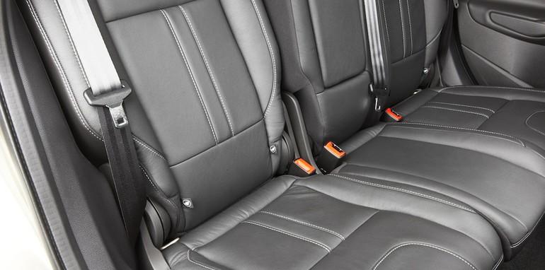 Ford_Kuga_TF_Titanium_rear_seats