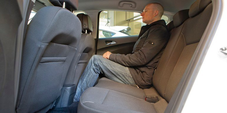 Opel Astra - Rear Legroom