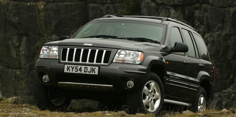 chrysler defies us safety recall of 2 7 million jeeps. Black Bedroom Furniture Sets. Home Design Ideas