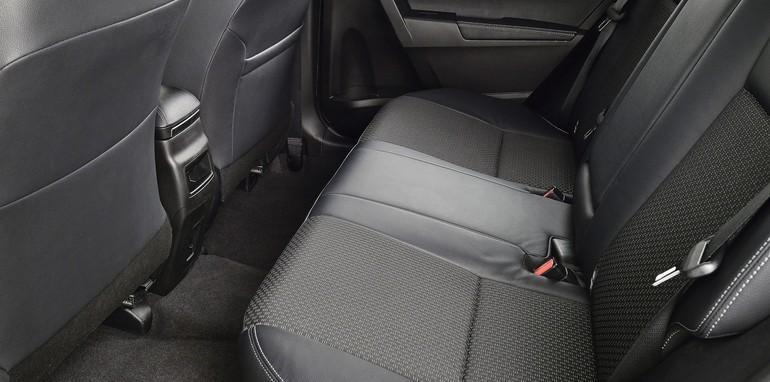 Toyota Corolla Sedan EU Spec - 8