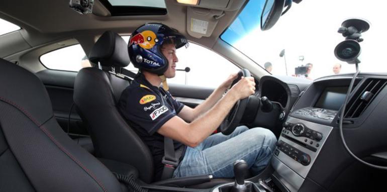 Infiniti FX50 Sebastian Vettel Edition - Interior