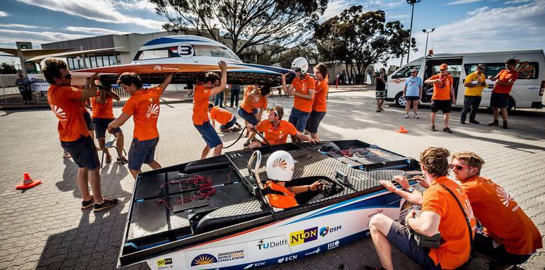 2013 World Solar Challenge Claimed By Dutch Team
