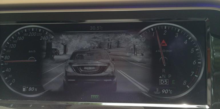 2014-Mercedes-Benz-S-Class-Tech-47