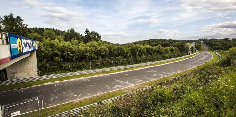 The Nurburgring expreinece: Renualt Megane RS26506