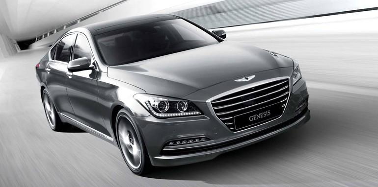 2015-Hyundai-Genesis-Sedan-road
