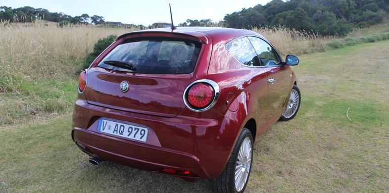 2014 alfa romeo mito pricing and specifications. Black Bedroom Furniture Sets. Home Design Ideas