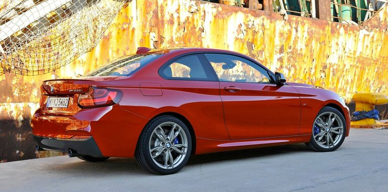 BMW-M235i-coupe-2