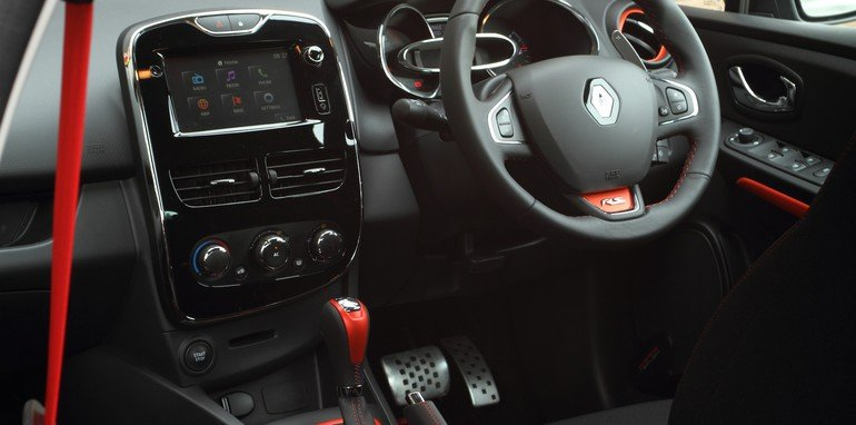 Renault Clio RS200 v Ford Fiesta ST-11