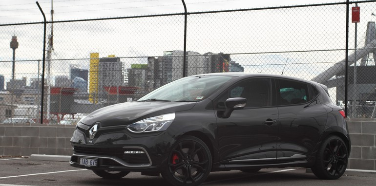 Renault Clio RS200 v Ford Fiesta ST-37