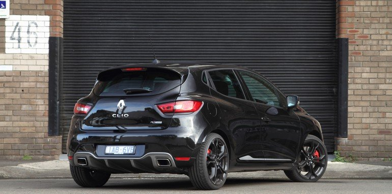 Renault Clio RS200 v Ford Fiesta ST-7