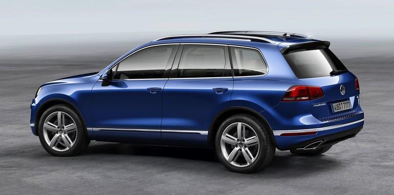 2015-Volkswagen-Touareg-5