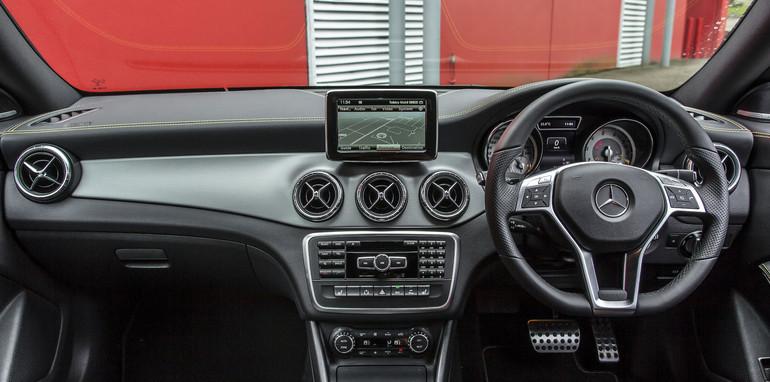 2014 Mercedes-Benz CLA-Class-16