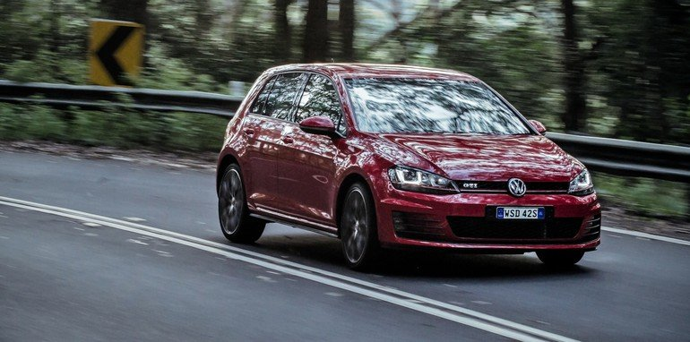 2014 Volkswagen Golf GTI Performance 20