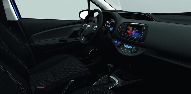 2015-Toyota-Yaris-14