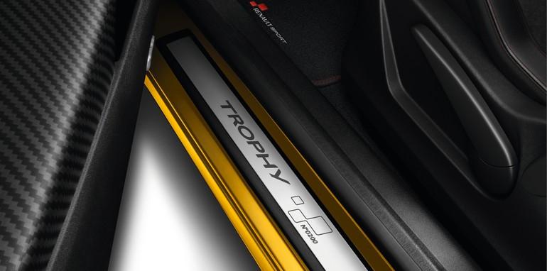 Renault Megane RS 275 Trophy-9