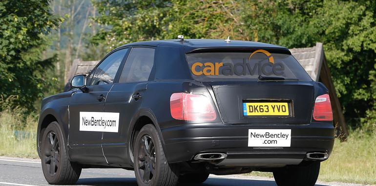 Bentley SUV spy photo