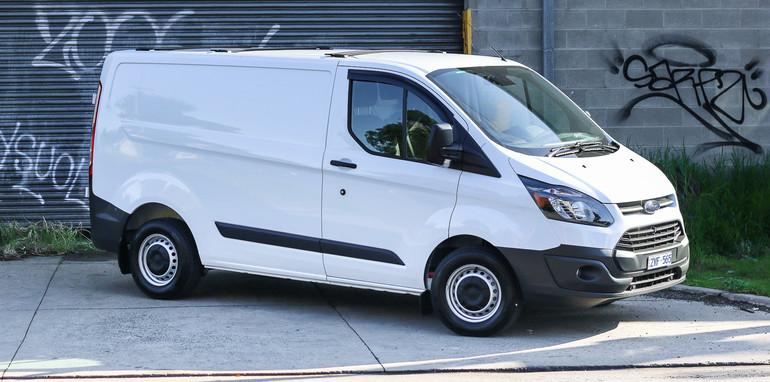 2014-Ford-Transit-Custom-van-48