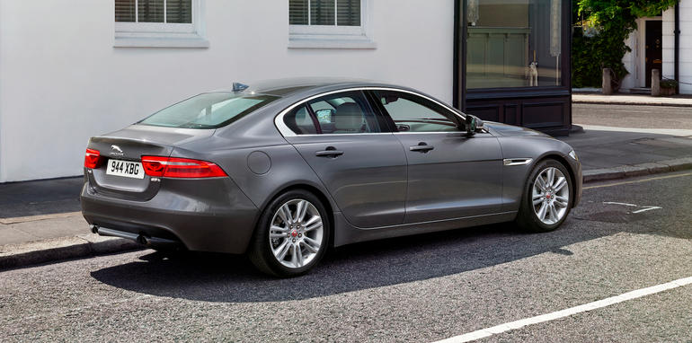 jaguar xe australian pricing and specifications. Black Bedroom Furniture Sets. Home Design Ideas