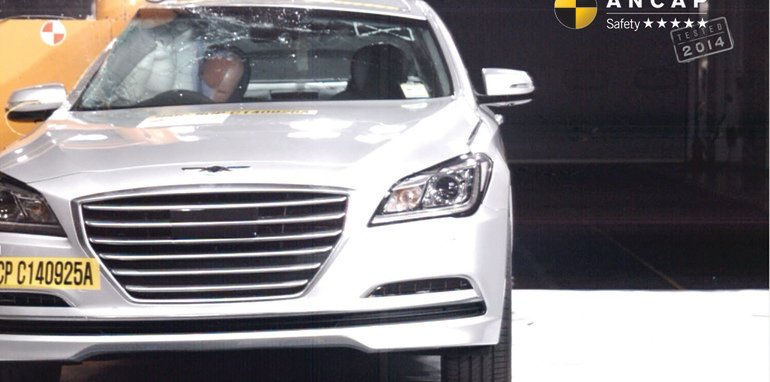 PHOTO - Hyundai Genesis 2014 (5 star) pole