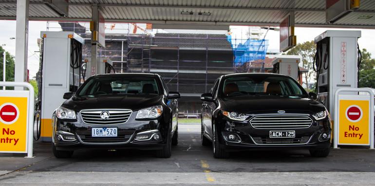 2014-2x1-holdenvsford-calaisandG6E-sedans-1