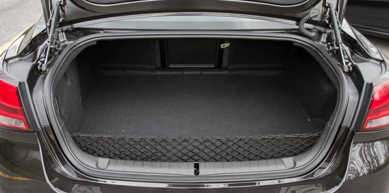 2014-2x1-holdenvsford-calaisandG6E-sedans-13